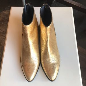 Dolce Vita Cassius Gold Shoes